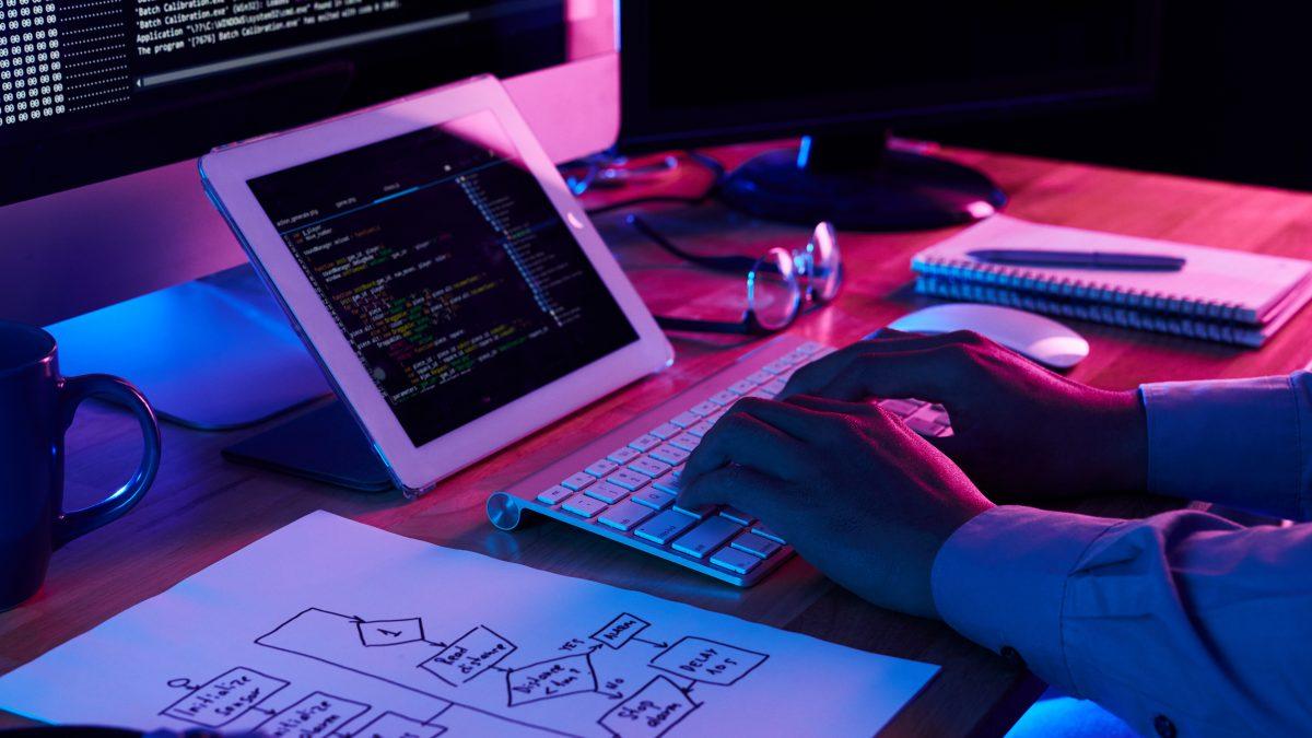 فوائد الموقع الإلكتروني للعمل الحر فريلانسر